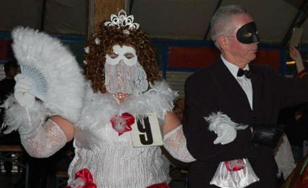 http://folklores.modernes.biz/files/gimgs/116_bals-de-carnaval-tous-en-pistepixl.jpg